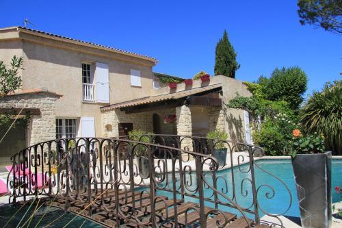 Villa Solary : Bed and Breakfast near Le Pontet