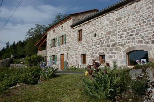 La Comboursière : Bed and Breakfast near Maclas