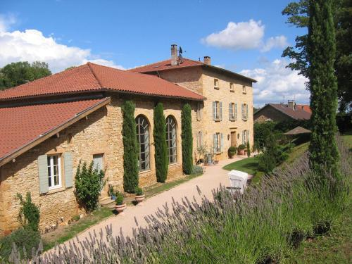 La Bastide : Bed and Breakfast near Frontenas