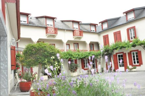 Résidence Les Palombières : Guest accommodation near Antist