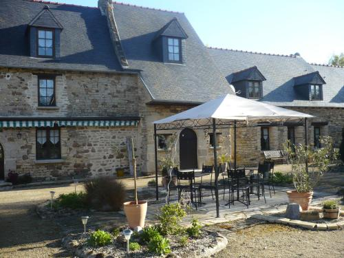 Manoir Ville Davy : Bed and Breakfast near Saint-Brieuc-des-Iffs