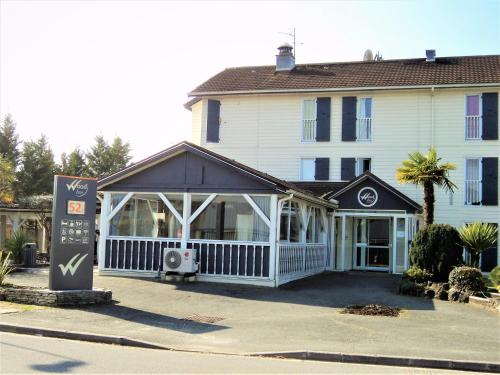 Hotel Wood Inn Bordeaux Aéroport : Hotel near Martignas-sur-Jalle