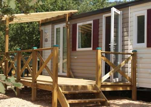 Camping Soleiluna : Guest accommodation near Forcalqueiret