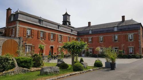 Château de la Motte : Hotel near Eppe-Sauvage