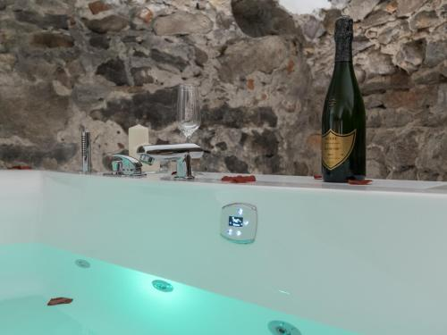 Luxury Studio & Spa Vieux Lyon : Apartment near Lyon 5e Arrondissement