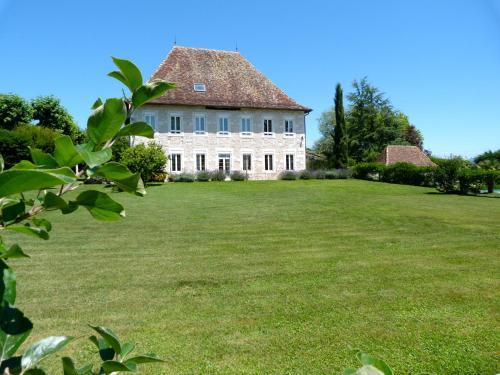 Domaine Du Manoir : Bed and Breakfast near Murs-et-Gélignieux