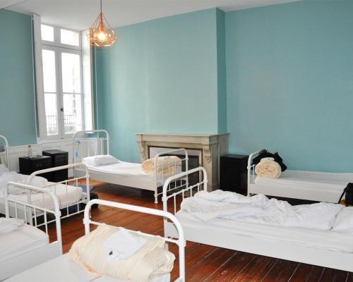 Hostel20 : Hostel near Cenon