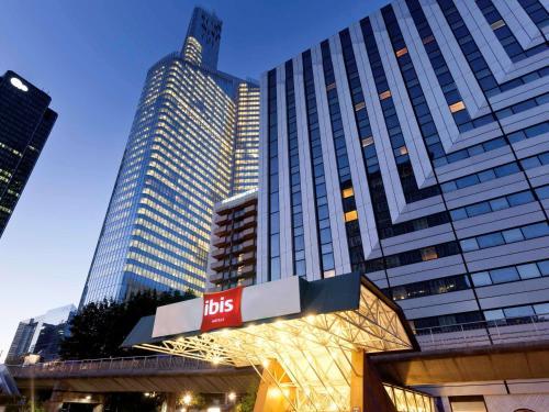 ibis Paris la Défense Centre : Hotel near Courbevoie