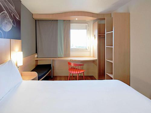 ibis Sisteron : Hotel near Bevons