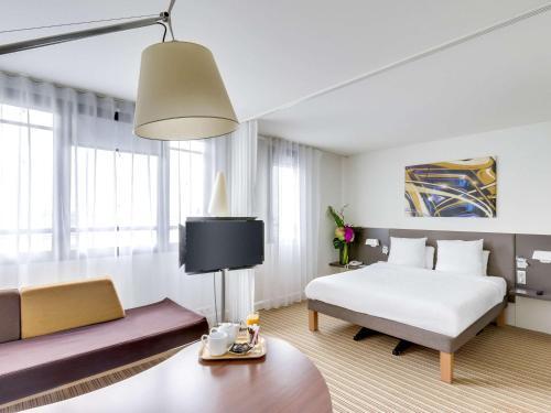 Novotel Suites Paris Montreuil Vincennes : Hotel near Saint-Mandé