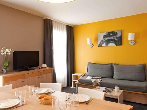Aparthotel Adagio Marne La Vallée - Val d'Europe : Guest accommodation near Neufmoutiers-en-Brie