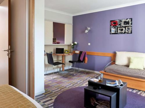 Aparthotel Adagio Paris Buttes Chaumont : Guest accommodation near Paris 19e Arrondissement