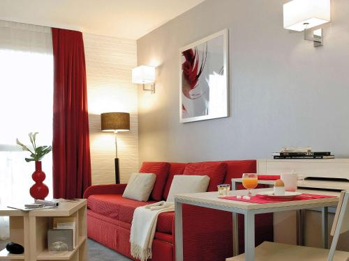 Aparthotel Adagio Paris Montrouge : Guest accommodation near Châtillon