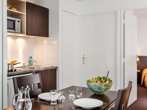 Aparthotel Adagio Access Paris Clamart : Guest accommodation near Châtenay-Malabry