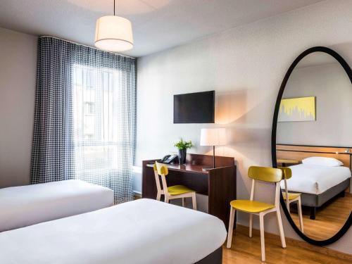 Aparthotel Adagio Access Paris Vanves - Porte de Châtillon : Guest accommodation near Clamart
