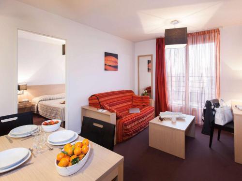Aparthotel Adagio Access Saint Louis Bâle : Guest accommodation near Raedersdorf