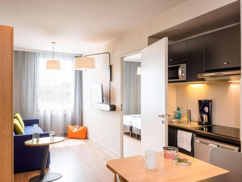 Aparthotel Adagio Access Paris Massy Gare : Guest accommodation near Morangis