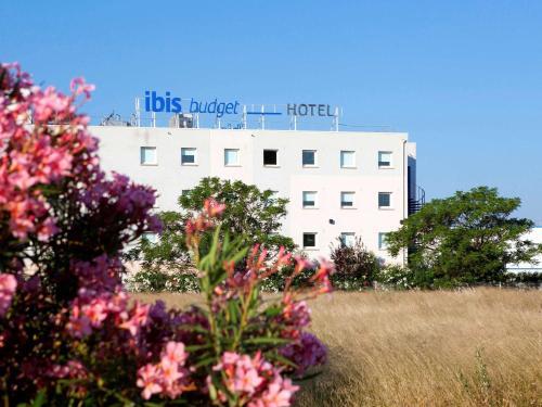 ibis budget Narbonne Est : Hotel near Coursan