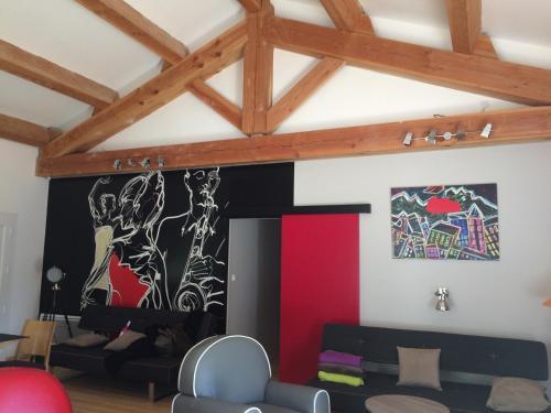 Maison moderne Aveyron : Guest accommodation near Trèves