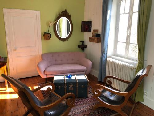 Chambres d'Hôtes Couleurs du Temps : Bed and Breakfast near Cornille