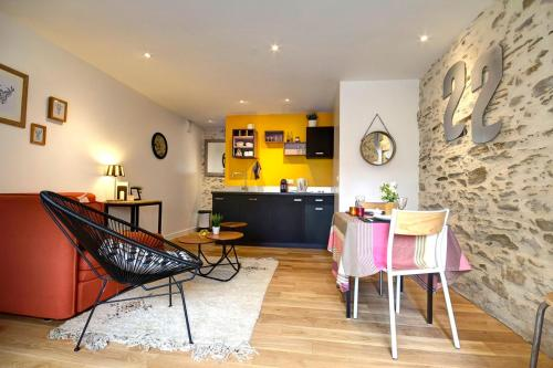 Le 22 grand rue : Guest accommodation near Bouguenais