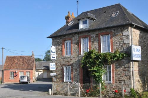 Maison de famille rustique : Guest accommodation near La Chapelle-au-Moine