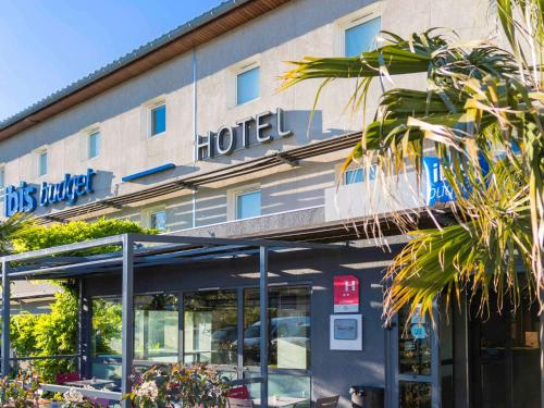 ibis budget Carcassonne La Cité : Hotel near Bouilhonnac