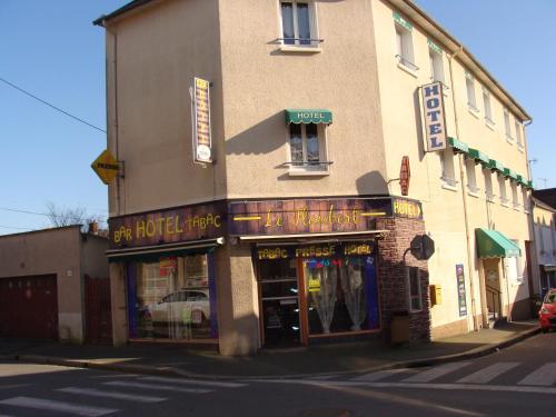 Hôtel Le Flaubert : Hotel near Javené