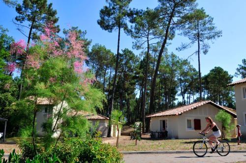 Résidence Goélia Les Demeures du Lac : Guest accommodation near Pompogne