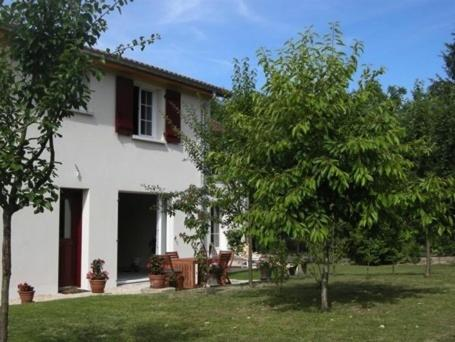 Au Saint-Amand : Bed and Breakfast near Curel