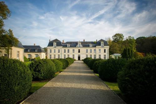 Château de Courcelles : Hotel near Vauxtin