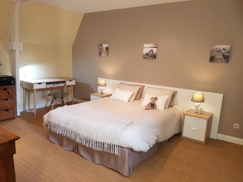 Manoir de Pleac : Bed and Breakfast near Tinténiac
