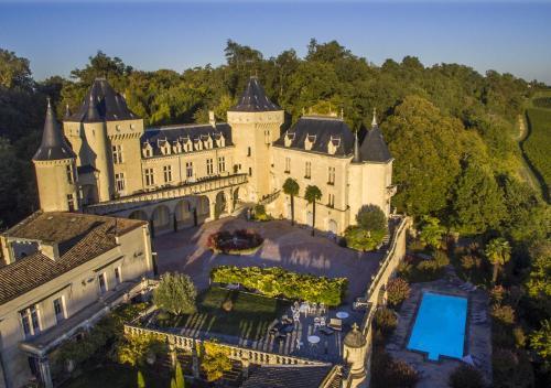 Château de La Rivière : Bed and Breakfast near Saint-Aignan