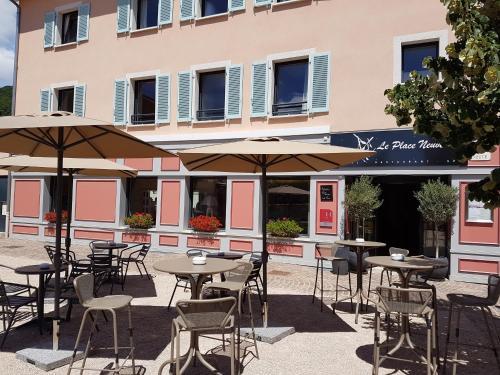 Le Place Neuve : Hotel near Sourcieux-les-Mines