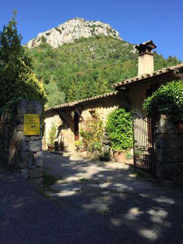 Mas Joséphine : Guest accommodation near Coursegoules