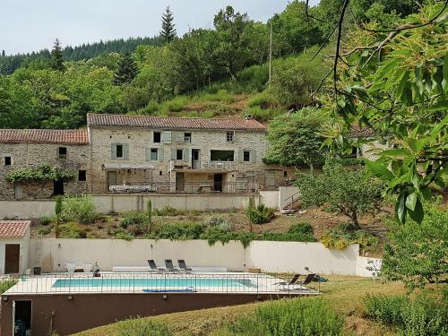 Domaine Courniou : Guest accommodation near Saint-Pons-de-Thomières
