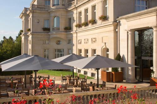 Tiara Château Hôtel Mont Royal Chantilly : Hotel near Survilliers