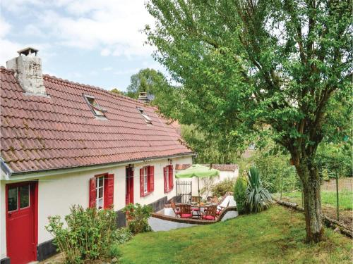 Three-Bedroom Holiday Home in Gouy en Ternois : Guest accommodation near Beaufort-Blavincourt