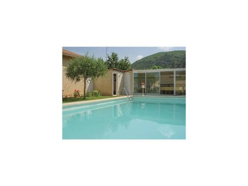 Two-Bedroom Holiday Home in Boulbon : Guest accommodation near Beaucaire