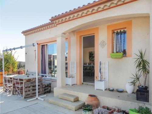 Three-Bedroom Holiday Home in Corneilhan : Guest accommodation near Pailhès