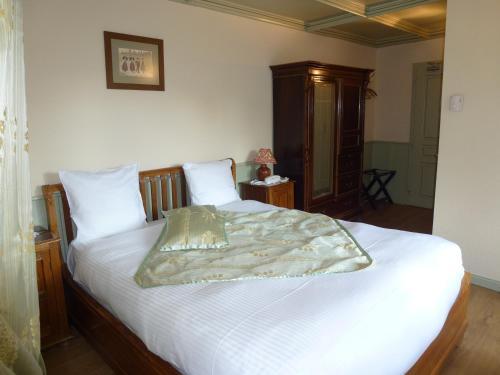La Cour du Bailli Suites & Spa : Hotel near Orschwiller