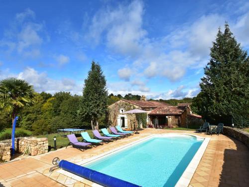 Maison De Vacances - St.Cernin-De-L Herm : Guest accommodation near Mazeyrolles