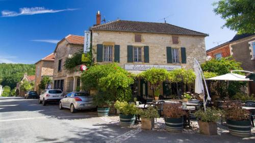 Hostellerie de Goujounac : Hotel near Cassagnes