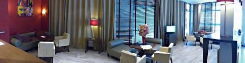 Sure Hotel by Best Western Annemasse (ex Hôtel de la Place) : Hotel near Reignier-Esery