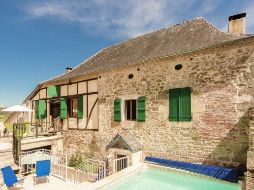 Holiday Home Coubjours 8P : Guest accommodation near Teillots
