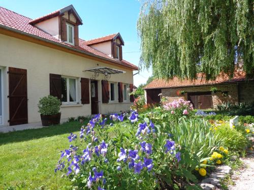 B&B Les Cistelles : Bed and Breakfast near Franxault