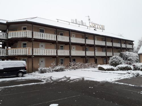Hôtel & Résidence : Hotel near Jettingen