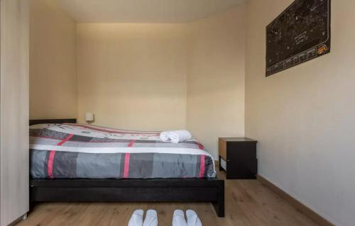 cozy room - porte maillot : Guest accommodation near Neuilly-sur-Seine