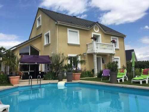 Mille et Une Bulles 51 : Bed and Breakfast near Broussy-le-Grand