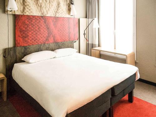 ibis Paris Grands Boulevards Opéra 9e : Hotel near Paris 9e Arrondissement